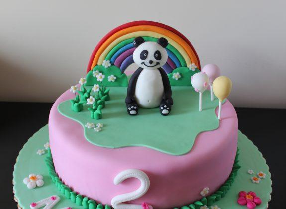 Bolo Panda arco iris